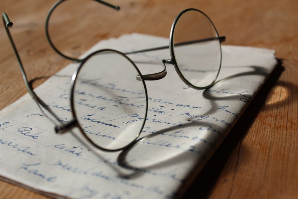 senior reading glasses